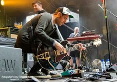 Kensingtonband. Eloi and his beautiful gibson es355!