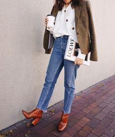 High rise Super soft Jeans | Shop on sheisrebel.com #sheisrebel #fashion #style #womenfashion #onlineshop #jeans #highrise #streetstyle