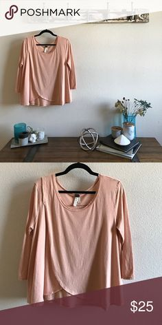Free People Tulip 🌷 Top Like new condition, size small but it's wayyy oversized so I'm listing as a medium. Free People Tops Blouses