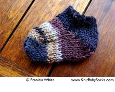 easy Free baby sock knitting pattern for beginners