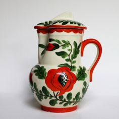 jug with lid. Privatsammlung