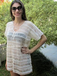 Celeida Artes em Fios: Saída de Praia! I love the big chain loops in this crochet shirt!