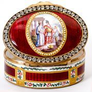 Superb Antique French Kiln-fired Enamel Snuff Box, Paste Faux Diamond Frame, late 1700s.
