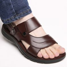 Compra Mens Outdoor Leisure Business Sandals Beach Sandals Sandals Slippers Universal en Wish- Comprar es divertido Mens Fashion Casual Shoes, Leather Fashion, Leather Men, Brown Leather Sandals, Leather Shoes, Bunion Shoes, Dope Swag Outfits, Beach Sandals, How To Make Shoes