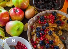 Dutch Apple Pancake // Hemsley and Hemsley Vegan Breakfast Options, Healthy Breakfast Recipes, Brunch Recipes, Healthy Snacks, Healthy Recipes, Healthy Eats, Clean Eating Breakfast, Sweet Breakfast, Hemsley And Hemsley