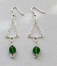 Today, Christmas tree earrings making! Choose from these earrings making tutorials we've com