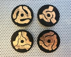 Vinyl Collector magnet set of 4 magnets of 45 RPM record LP centers for refrigerator decor or office decoration albums records Vintage Gothic, Retro Vintage, Vinyl Collectors, Art Desk, Rose Gold Foil, The Collector, Vinyl Records, My Music, Office Decor