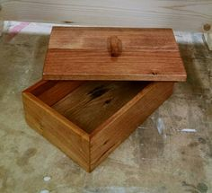 Creative Wood Pallet Box with Lid | 99 Pallets
