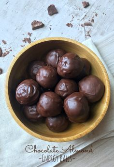 These chocolate almond energy balls are a great snack or dessert, made with all natural and powerful ingredients. These ingredients are filled with protein, fiber and healthy fats to keep your energy levels steady and you body feeling well, awake and strong