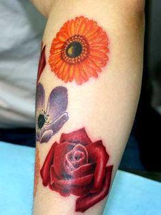 feminine-flower-tattoo