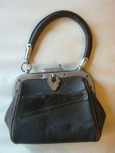 Depress Down Clasp Pull Charm Closure. 1 Clasp Flap Front & Smooth Back. Leather Handle, Leather Purses, Leather Wallet, Unique Purses, Cute Purses, Travel Handbags, Purses And Handbags, Purse For Teens, Western Purses