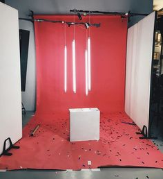 The idea of just these lights/neon lights hanging photoshoot ideas fotoğraf Photography Lighting Setup, Lighting Setups, Studio Lighting, Neon Lighting, Light Photography, Home Studio Photography, Creative Photography, Neon Licht, Booth