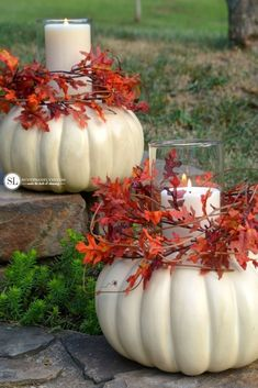 Halloween: Valkoiseksi maalatut kurpitsat / How to Make a Faux Craft Pumpkin Candle Centerpiece Autumn Decorating, Pumpkin Decorating, Decorating Ideas, Fall Outdoor Decorating, Pumpkin Crafts, Fall Crafts, Diy Pumpkin, Diy Crafts, Ribbon Crafts