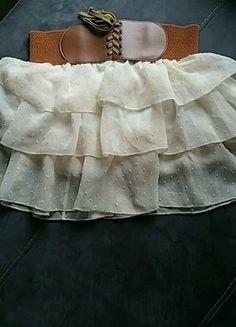 À vendre sur #vintedfrance ! http://www.vinted.fr/mode-femmes/jupes-plissees/25708037-jupe-a-volants-beige