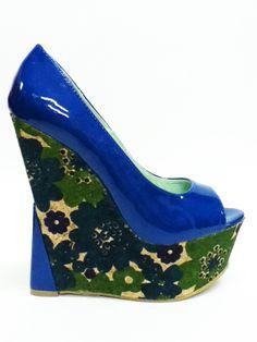 Wedges Azul eléctrico con cuña floral