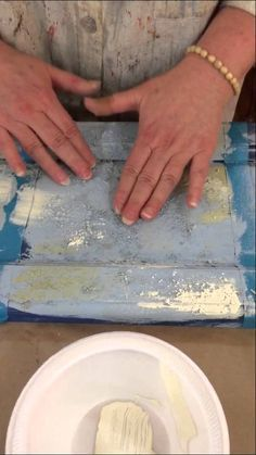Janet from The Empty Nest shows you how to get a great rustic look using sawdust