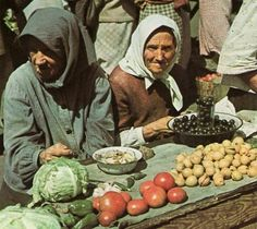Базар в Сталино(Донецк), 1942.