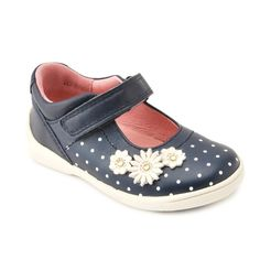 I've entered the Start-rite 'Win Your Wish List' competition. Take a look at my favourite shoes #StartriteWishList