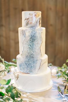 View Amazing Wedding Cakes created by Intricate Icings Cake Design using top wedding trends and custom designs Amazing Wedding Cakes, Unique Wedding Cakes, Wedding Cake Designs, Amazing Cakes, Icing Cake Design, Top Wedding Trends, Wedding Ideas, Bee Cakes, Geode Cake