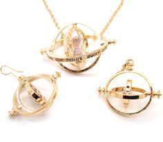 Gold Plated Harry Potter Hermione Granger's Time Turner Necklace Earrings Set How cool is this? Harry Potter Necklace, Harry Potter Hermione Granger, Summer Necklace, Cosplay, Luxury Jewelry, Earring Set, Jewelry Sets, Fashion Jewelry, Bling