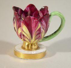 An English Derby Porcelain Tulip Cup Circa 1820 Beleef cultuurhistorie met high tea Tea Cup Saucer, Tea Cups, Teapots And Cups, My Cup Of Tea, Objet D'art, Chocolate Pots, Vintage Tea, Tea Time, Tea Party