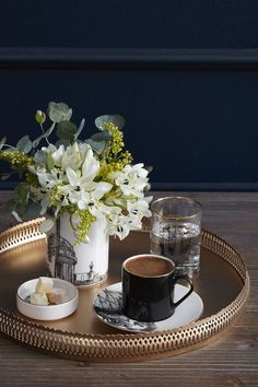 How to Make and Serve Turkish Coffee Good Morning Coffee, Coffee Break, I Love Coffee, My Coffee, Coffee Cafe, Coffee Drinks, Chocolate Cafe, Coffee Photography, Food Photography