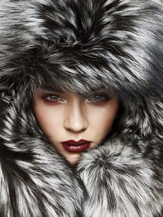 The Millionairess of Pennsylvania / karen cox.  It's freezing in PA, time for some skiing and some glam apres ski parties!! Grey Fashion, Fur Fashion, Winter Fashion, Ski Socks, Winter Food, Winter Hats, Snow Pants, Fabulous Furs, 50 Shades Of Grey
