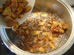Kuru İncir Faydaları ve 3 Çeşit İncir Kürü Tarifi Curry, Pork, Chicken, Ethnic Recipes, Rage, Kale Stir Fry, Curries, Pork Chops, Cubs