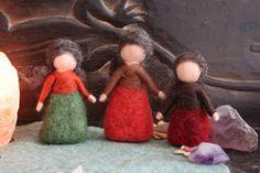 Wurzelkinder bunt,Waldkinder, Jahreszeitentisch von Jalda auf DaWanda.com von Jalda-Filz #DIY #Waldorfart
