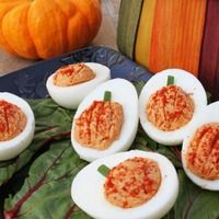Deviled Eggs--love the decor for Halloween or Thanksgiving! My 2 fav things. Halloween and deviled eggs yum! Halloween Deviled Eggs, Thanksgiving Deviled Eggs, Thanksgiving Recipes, Fall Recipes, Holiday Recipes, Thanksgiving Appetizers, Happy Thanksgiving, Egg Recipes, Happy Fall