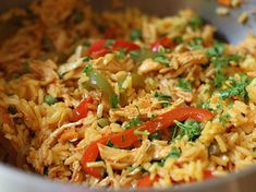 Arroz con Pollo - AntojandoAndo Rice Recipes, Mexican Food Recipes, Chicken Recipes, Dinner Recipes, Cooking Recipes, Healthy Recipes, Ethnic Recipes, Aroz Con Pollo, Colombian Cuisine