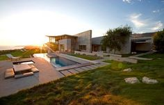 altamira residence1 002 Cliff Top House with Interesting Architecture and Breathtaking Views