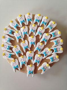Eğer siz de bir diş buğdayı partisi vermek için hazırlık yapıyorsanız sizin için diş kurabiyesi tarifi ve süsleme yöntemlerini derledik..