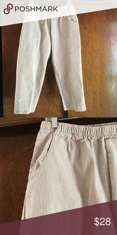 Denim &Co heavyweight stretch denim capris Denim & Co heavyweight, stretch denim. 2 pocket front, elastic waist. Great condition. Denim & Co Pants Capris