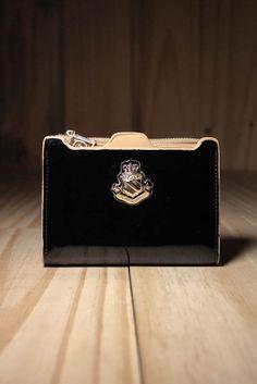 Carteira Patriot Preta - Para quem não deixa o estilo de lado ao guardar seus cartões e documentos, a carteira Patriot Preta traz a riqueza em design.