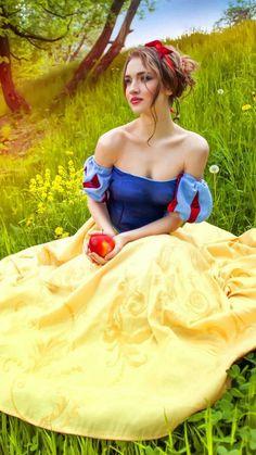 Amazing Photography, Portrait Photography, Dress Sites, Fairytale Art, Foto Art, Great Legs, Woman Painting, Hottest Models, Blue Yellow