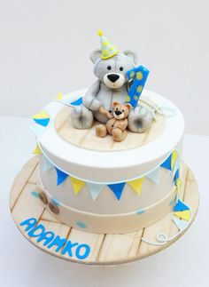 First Birthday cake  by SWEET architect