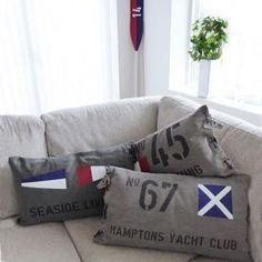 New England paddel och kuddar med valfria texter och motiv. Du väljer själv! New England, Candle Lanterns, The Hamptons, Bed Pillows, Pillow Cases, Couch, Inspiration, Furniture, Home Decor