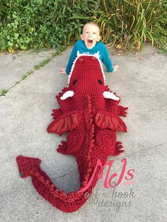 Ravelry: Bulky & Quick Dragon Blanket pattern by MJ's Off The Hook Designs by Terry Pearson Crochet Afghans, Crochet Blanket Patterns, Knitting Patterns, Crochet Blankets, Afghan Patterns, Crochet Crafts, Crochet Toys, Knit Crochet, Free Crochet