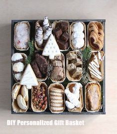 Personalized Gift Basket For Anyone, Girlfriend, Kids, Mom Etc DIY Personalized Gift BasketsDIY Personalized Gift Baskets Christmas Cookies Packaging, Christmas Cookies Gift, Christmas Food Gifts, Cookie Packaging, Christmas Sweets, Christmas Cooking, Christmas Goodies, Bake Sale Packaging, Packaging Ideas
