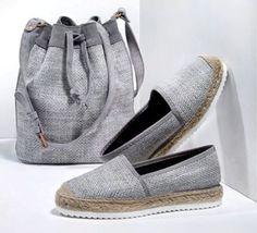 gray canvas espadrille and buket bag Ella Shoes, Me Too Shoes, Closed Toe Summer Shoes, Trendy Shoes, Casual Shoes, Shoe Boots, Shoes Sandals, Crochet Shoes Pattern, Comfy Shoes