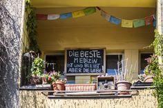Kreuzberger sind voller Liebe >>  Freitag, 15.05., 16:00 Uhr – Kreuzberg, Maybachufer: Let there be love. © Lena van Ginkel