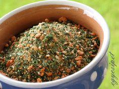 egycsipet: Ételízesítő - vegamix How To Dry Basil, Herbs, Food, Herb, Meals, Yemek, Spice, Eten
