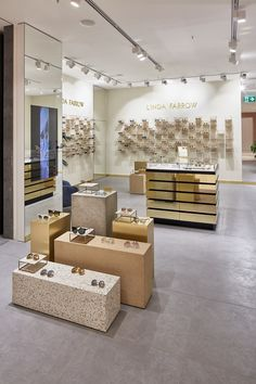 Visit our newly opened Linda Farrow Munich boutique at Oberpollinger, Neuhause Str. Boutique Interior, Retail Interior Design, Showroom Design, Retail Store Design, Commercial Design, Commercial Interiors, Deco Spa, Jewelry Store Design, Pharmacy Design