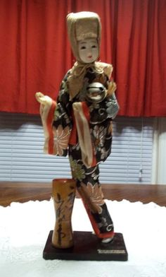 Vintage Gofun Doll Geisha Glass Eyes Wood Stand Odd Hat