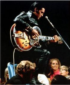 Photo of Young Elvis Presley and Norma Jeane Baker. for fans of Elvis Presley 32680626 Bilder Von Elvis Presley, Elvis Und Priscilla, Elvis Presley Images, Lost That Loving Feeling, Elvis 68 Comeback Special, Young Elvis, Nbc Tv, Burning Love, John Lennon Beatles