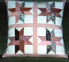 Kissen Flechtstern Nr. 100 Quilts, Blanket, Bed, Braid, Stars, Stream Bed, Quilt Sets, Blankets, Log Cabin Quilts