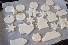 Toma nota de los ingredientes necesarios para elaborar una pasta de modelar casera, ideal para trabajar con los niños.