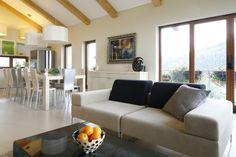 Jasny salon: 10 pięknych wnętrz z polskich domów  - zdjęcie numer 9