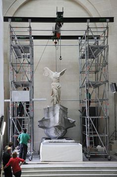 Winged Victory of Samothrace goes back into the Louvre